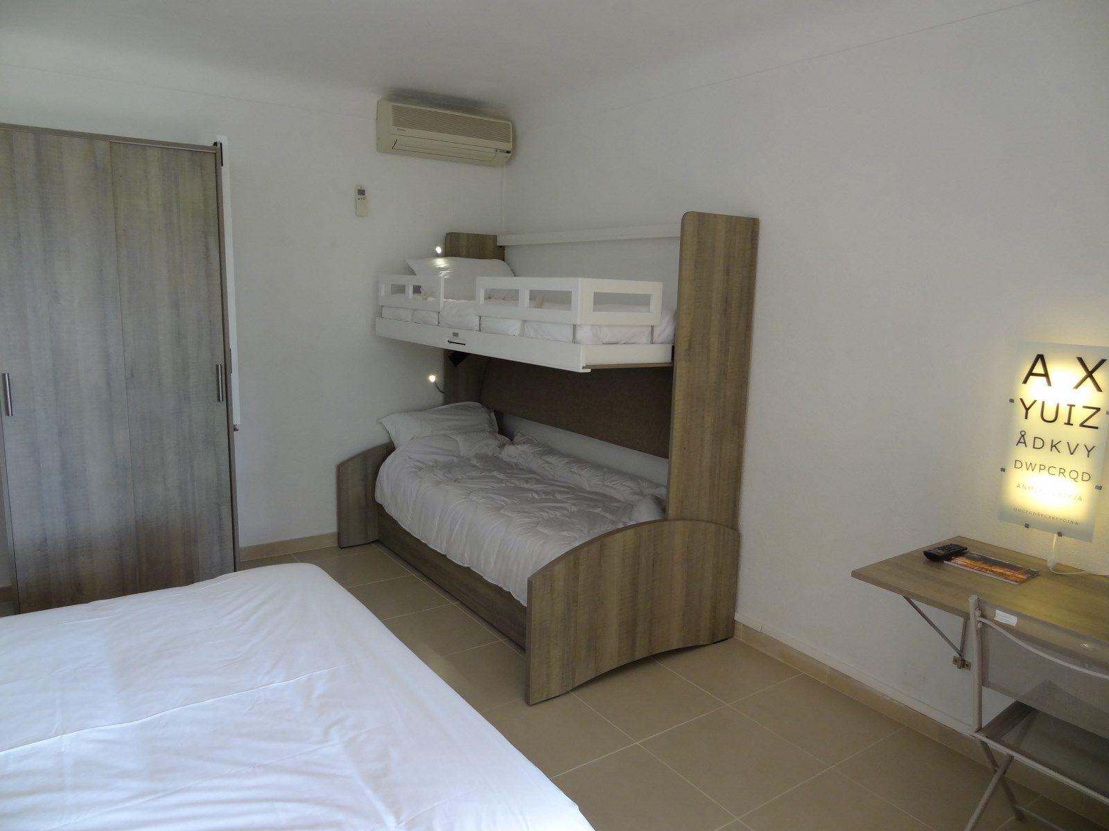 Hdlp Chambre Familiale Sud Rez De Jardin Villa N V2 Hotel 3 Etoiles En Bord De Mer A Bormes Les Mimosas Hotel De La Plage